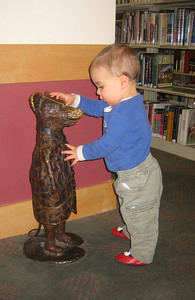 This little statue is popular!