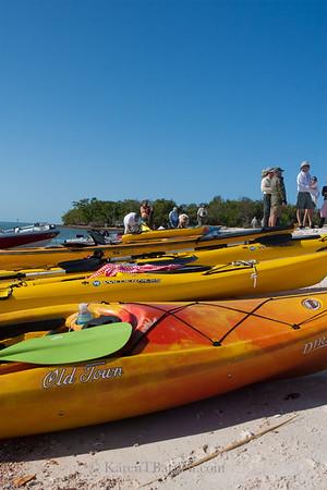 9272 Colorful kayaks