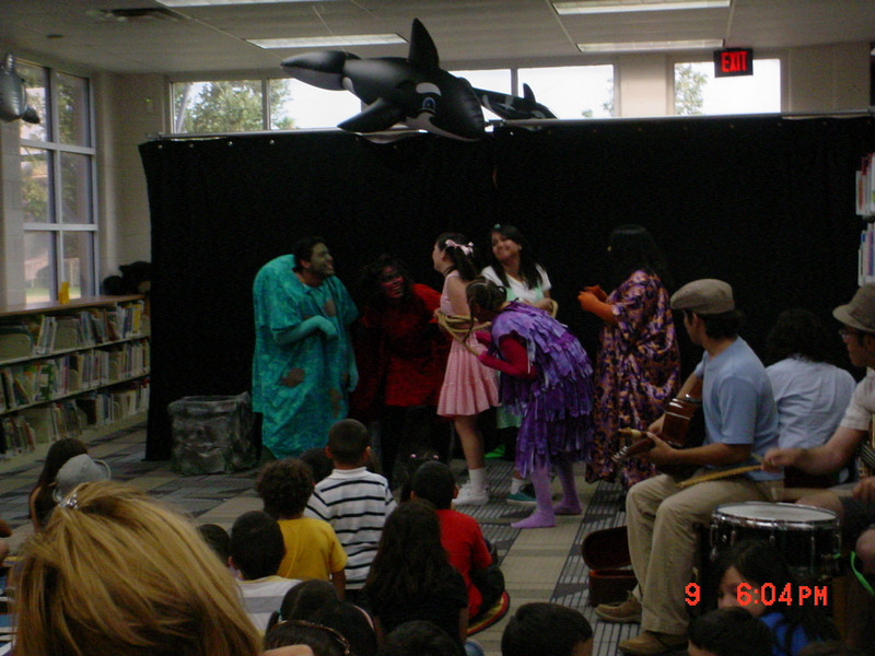 La lente maravillosa, a play in Spanish for young children, was performed at the Lark Branch Library (6.9.2010). The play, performed by UTPA Theatre, was written by the Mexican dramatist, Emilio Carballido, and is about getting kids to practice good hygiene. The show included live music, singing, and dancing.