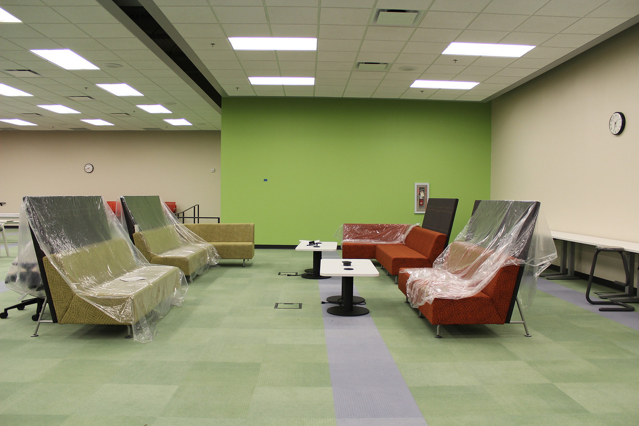 Lounge seating in public computer lab.
