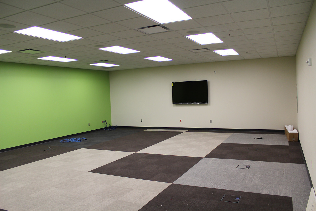 One of the two electronic classrooms.