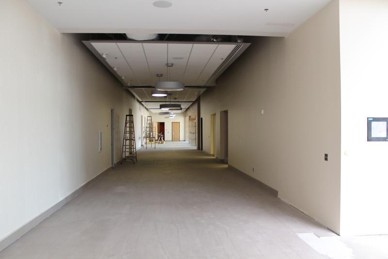 Meeting room corridor leading to the auditorium.