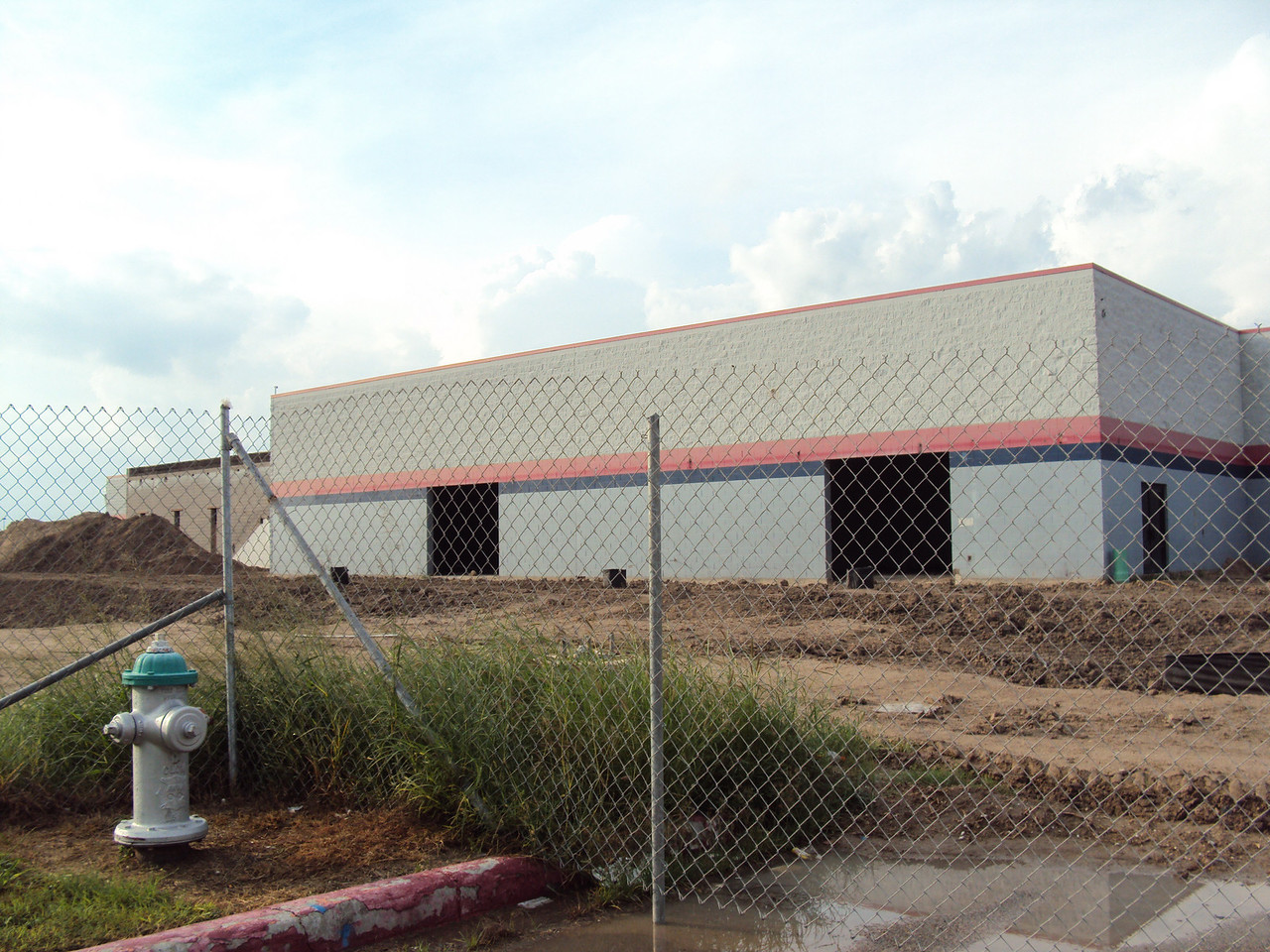 9/26/2010 - Southeast side of the building