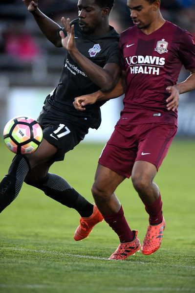 Switchbacks defender Sean McFarlane battles a Republics player for the ball at Wiedner Field on Saturday, Oct. 7, 2017.<br /> <br /> (The Gazette, Nadav Soroker)