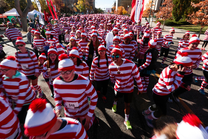 Runners take off from the starting line at the Waldo Waldo 5k on Saturday, Oct. 21, 2017.<br /> <br /> (The Gazette, Nadav Soroker)