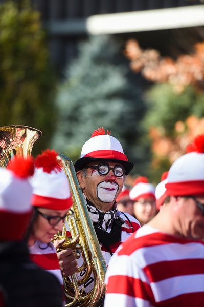 Jeff Stone as Joey the Clown leaves from the starting line, bringing his tuba along for the race, during the Waldo Waldo 5k on Saturday, Oct. 21, 2017.<br /> <br /> (The Gazette, Nadav Soroker)