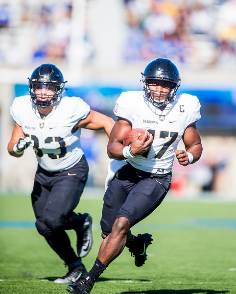 Army Black Knights quarterback Ahmad Bradshaw (17) runs the ball at Falcon Stadium on Saturday, Nov. 4, 2017. The Black Knights lead 14-0 at half time.