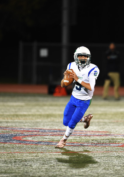 Doherty sophomore Logan Siffert prepares to throw a pass at Fountain-Fort Carson on Friday, Sept. 29, 2017.<br /> <br /> (The Gazette, Nadav Soroker)