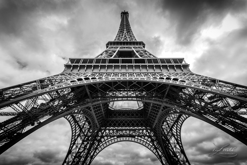Under The Eiffel Tower, Black and White