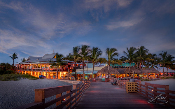 Fins and Sharky's at the Pier in Venice, Florida