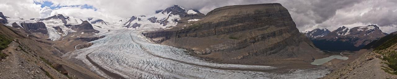 Robson glacier from Snowbird pass trail
