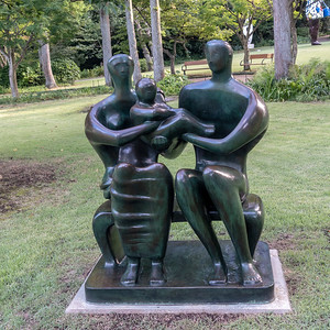 Family Group (Henry Moore)