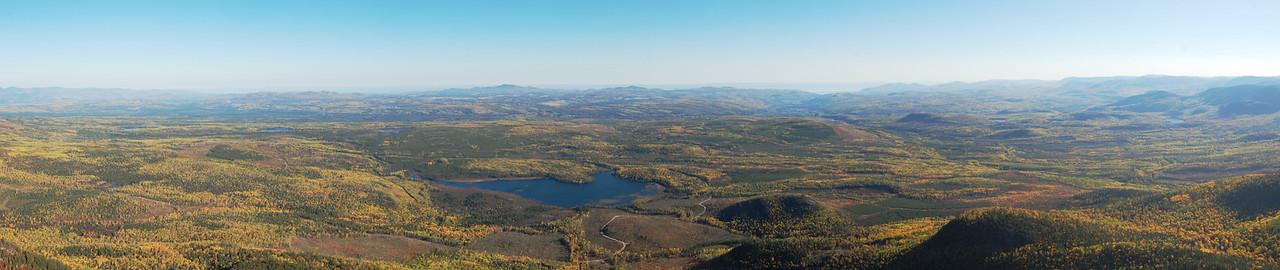 Panorama au sommet du Mont du Lac des Cygnes - Parc national des Grands-Jardins, Québec