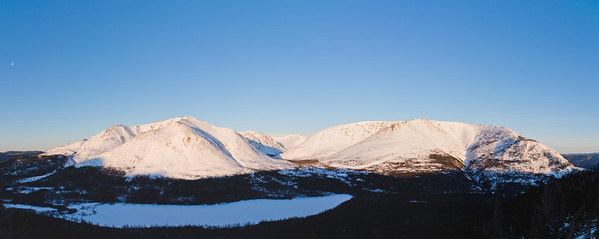 Lune & mont Albert en hiver