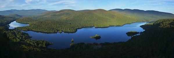 Lac Monroe vue du belvédère de La Roche - Parc national du Mont Tremblant, Québec