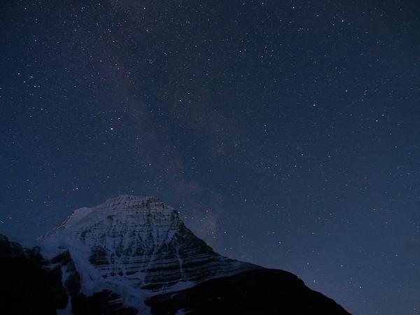 Mount Robson at night