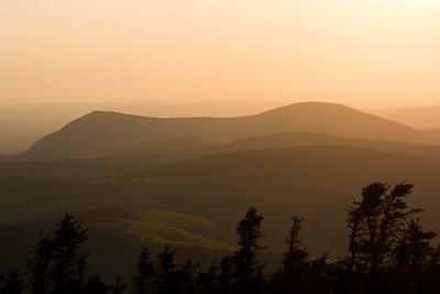 Montagne de Marbre & Mont Saddle