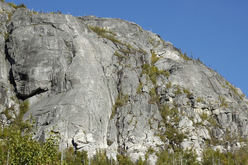 Escalade au parc des Grands-Jardins Rock climbing at Grands-Jardins park
