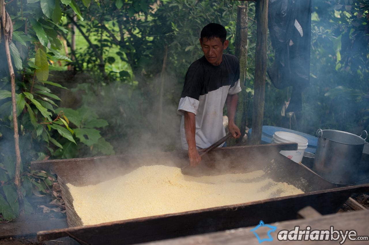 Drying the yuca