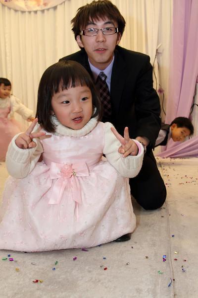 Cheung and Nicole_26-12-10_1106