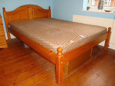 This bed is for sale. Sorry, its gone.
