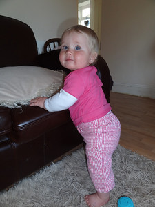 Coralie learns to stand - 8 1/2 months