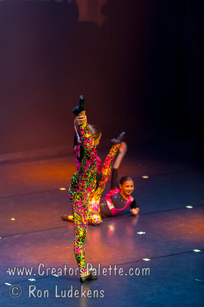 """This is Africa"" - Jazz III<br /> Dancers Edge Recital 6-27-2014"