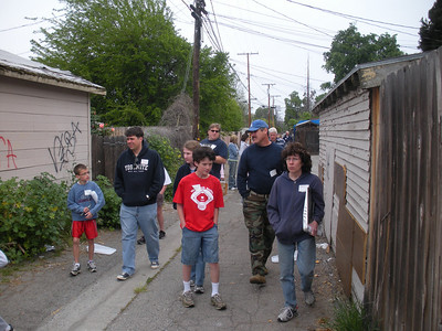 Image from project to paint over graffiti in and around Washington School.