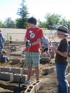 Hurley School Garden - Teresa & George 1040