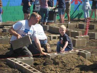 Hurley School Garden - Teresa & George 1039