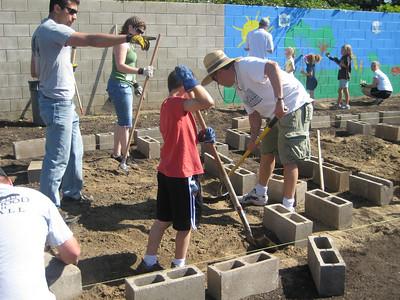 Hurley School Garden - Teresa & George 1035