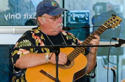 """Image taken at Tulare City Library """"Coffeehouse Jam"""" fundraiser for Tulare Read."""