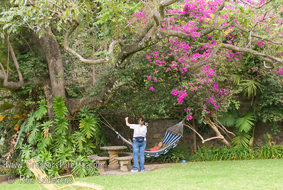 Guatemala Mission Trip - Day 2 -  Saturday, November 10, 2007  Hammock was sure inviting.