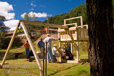 Guatemala Mission Trip - Day 6 - Wednesday, November 14, 2007 Team working on the ladder.