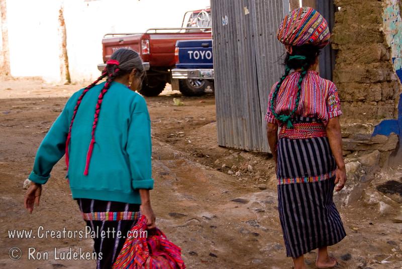 Guatemala Mission Trip - Day 7 - Thursday, November 15, 2007<br /> Ladies walking to work in Solola.