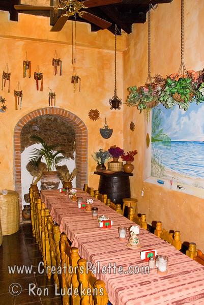 Guatemala Mission Trip - Day 8 - Friday, November 16, 2007   <br /> Inside Las Palmas Restarant.