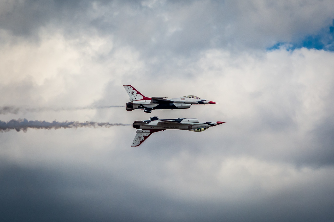 Thunderbirds F16s Stacked Formation