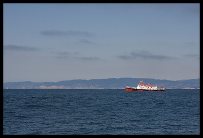Returning to the Gate, we encounter a pilot boat.
