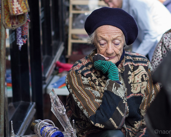 While wandering around Notting Hill's market streets i noticed this amazing lady selling jewelries.