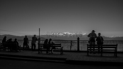 C7:Tourists and locals watch sun set on Mt.Khangchendzonga from the view-point in Darjeeling,West Bengal