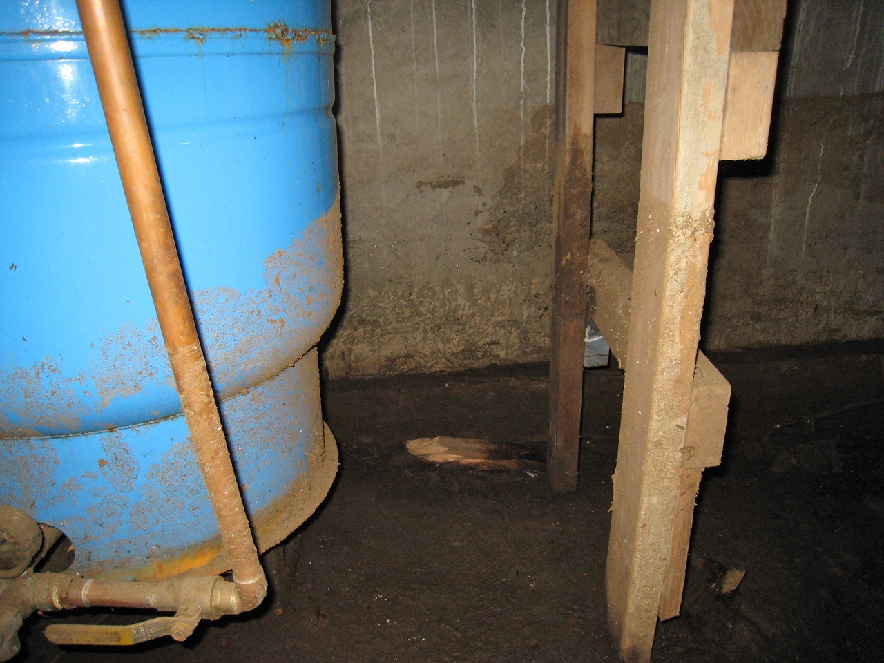 Flood Evidence, Water Tank and Ladder