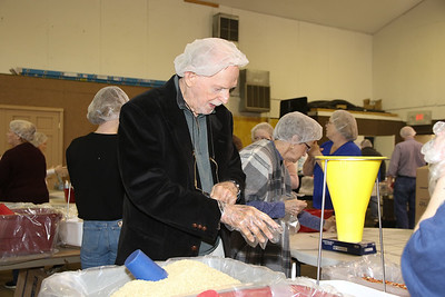 2020_3_1_Lifeline_Meal_Packing-22