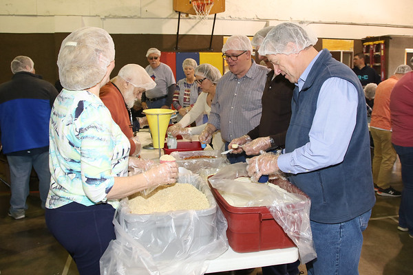 2020_3_1_Lifeline_Meal_Packing-26