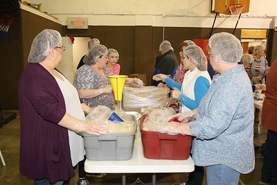 2020_3_1_Lifeline_Meal_Packing-25
