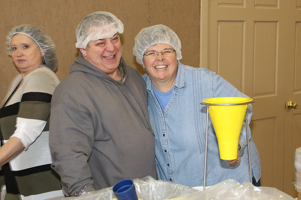2020_3_1_Lifeline_Meal_Packing-21
