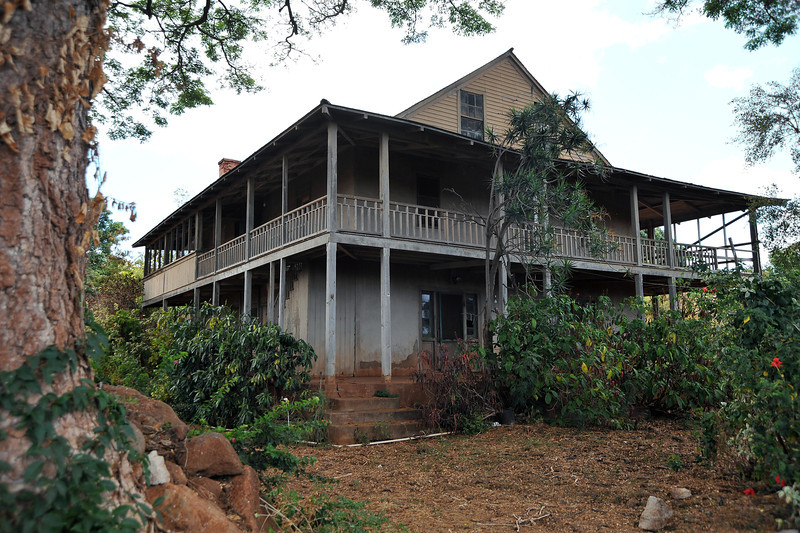 Derelict farm house in Waimea on Kaua'i island, Hawaii