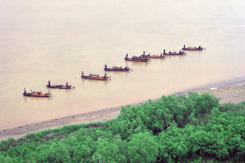 Fisher(wo)men on the Yangtze river, central China