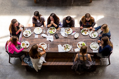 Lunchtime at the batmitzvah