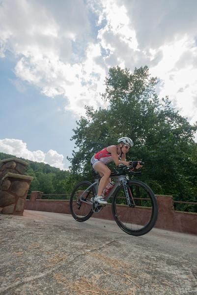 Eleonore cycling