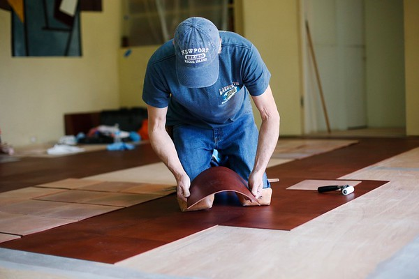 New leather floor installation at Frelinghuysen Morris House-060717